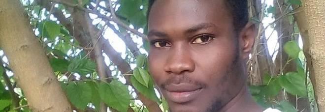 Migrante, torna in Africa e trova la felicità
