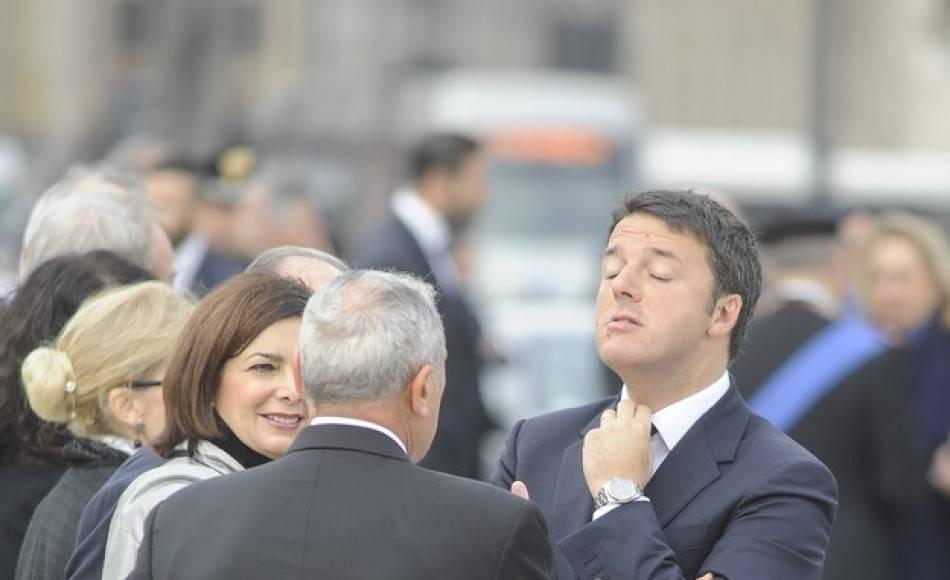 Vergognati dice la Iena Giarrusso a Renzi