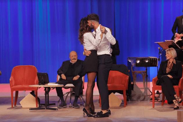 Corona e Belen insieme al Maurizio Costanzo Show