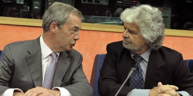 """Farage in difesa dei 5 stelle: """"In Europa non c'è democrazia"""""""