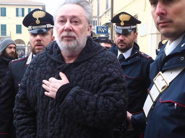 Lele Mora derubato di 40.000 euro