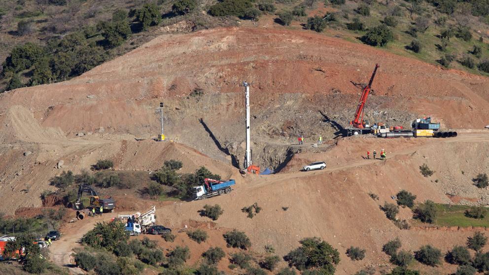 Ultim'ora Julen: i minatori scendono nel pozzo
