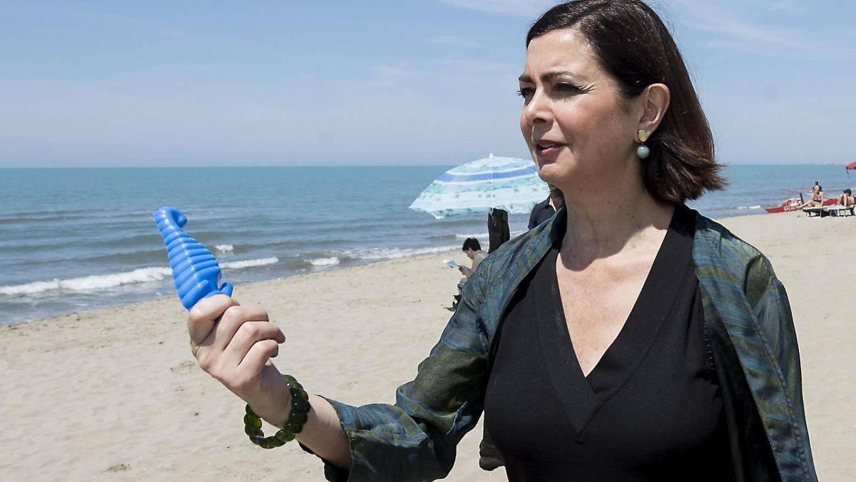 "No al Global Compact, Laura Boldrini: ""Incapaci"" - Leggilo"