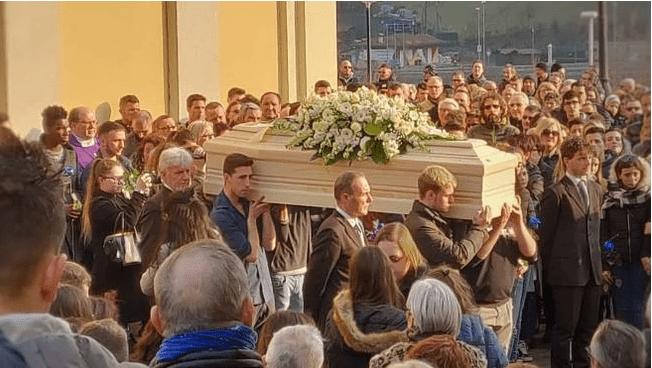 Il funerale di Gabriele Pesenti - Leggilo
