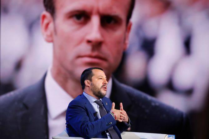 Crisi Italia Francia, Macron replica a Salvini