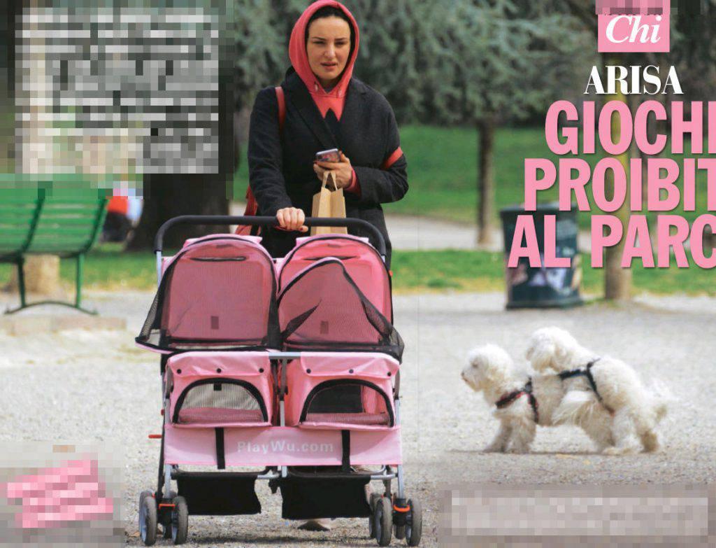 Arisa ed i cani nel parco - Leggilo