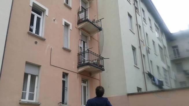 Figlia dal balcone - Leggilo
