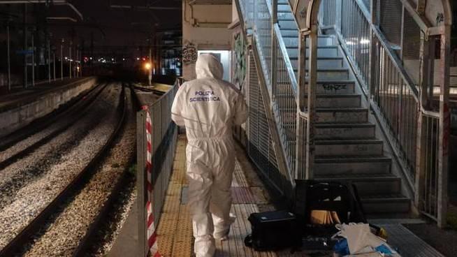 Ragazza violentata in stazione Napoli