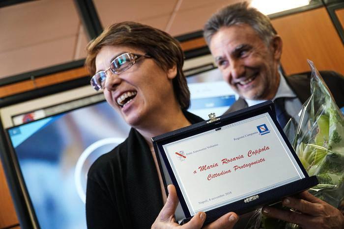 Maria Rosaria Coppola premiata, Difese un migrante