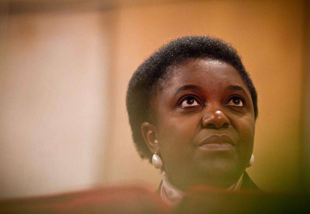 Cécile Kyenge il Parlamento Europeo sostiene gli africani - Leggilo