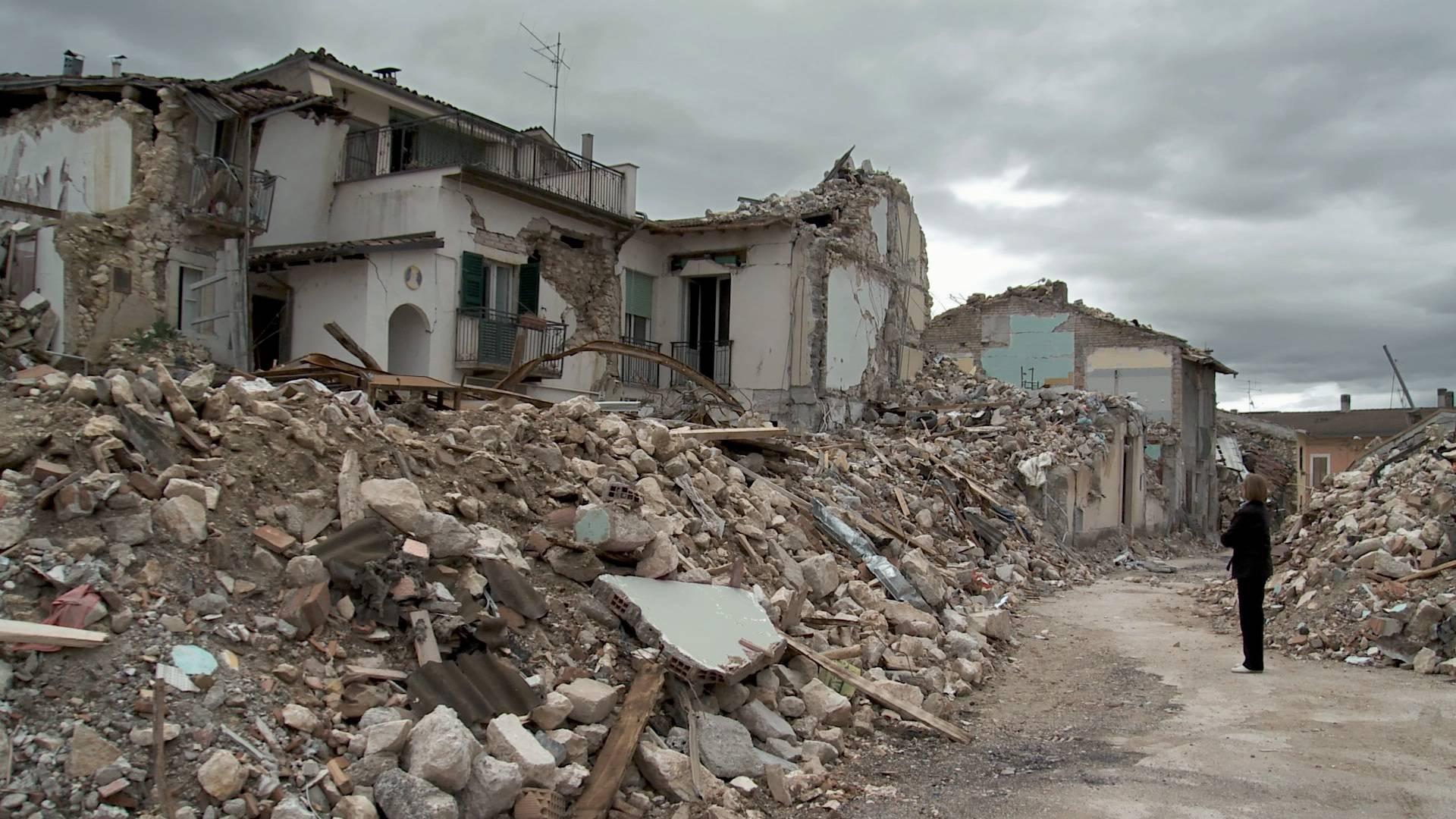 L'Aquila dieci anni dopo il terremoto - Leggilo