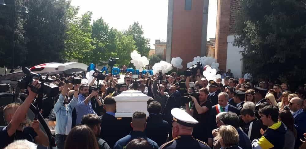 Funerali di Gabriel Farleto - Leggilo