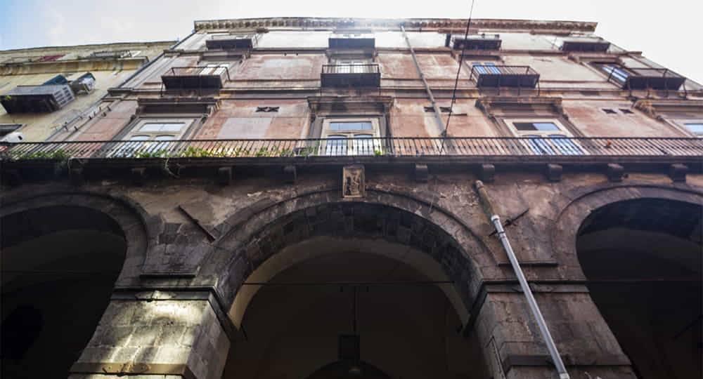 Napoli, donna morta in casa - Leggilo