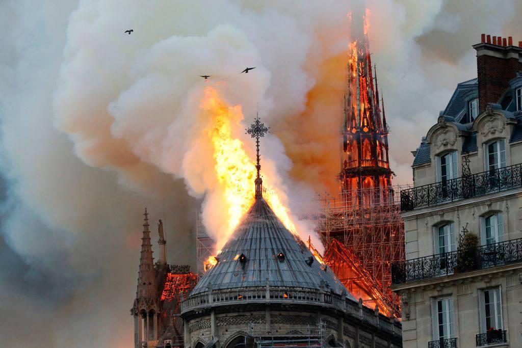 Notre Dame, la Corona di Spine di Gesù si è salvata - Leggilo