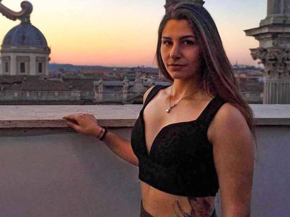 Deborah Sciacquatori uccide padre- Leggilo