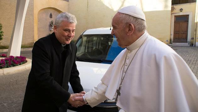 Elemosiniere del Papa paga lui i debiti - Leggilo