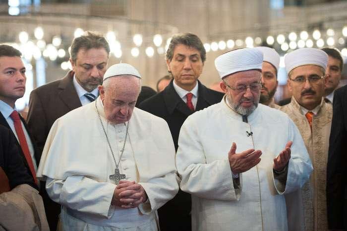 Cardinale Muller Cristiani e Mussulmani - Leggilo