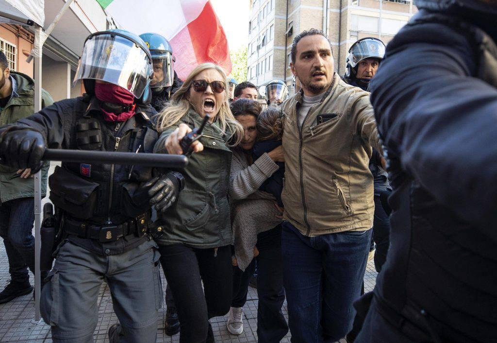 Rom, proteste a Casal Bruciato - Leggilo
