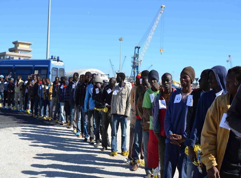 Migranti Guardia Costiera libica - Leggilo