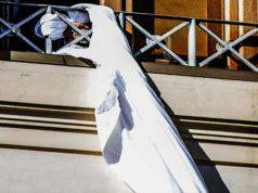Milano ragazzina si getta secondo piano - Leggilo
