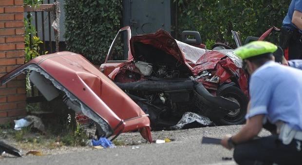 Incidente Pesaro muoiono in tre due feriti - Leggilo