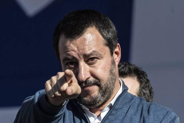 Madame Furto Salvini su Facebook - Leggilo