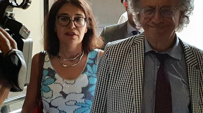 Affidi illeciti Bibbiano tribunale del Riesame di Bologna revoca arresti domiciliari e dispone obbligo di dimora Claudio Foti psicoterapeuta onlus Hansel e Gretel - Leggilo