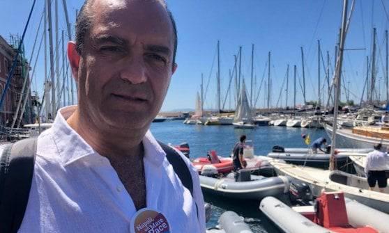 Luigi De Magistris sindaco Napoli costruiamo flotta per immigrati - Leggilo