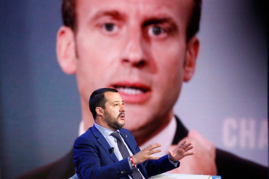 Migranti scontro presidente francese Macron ministro dell'Interno Salvini sbarchi porto più vicino ordini Francia - Leggilo