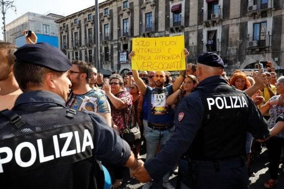 Salvini proteste Catania - Leggilo