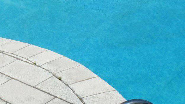 Bambino annegato - Leggilo
