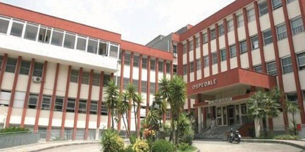 Formiche su salma di donna a obitorio ospedale Scafati Salerno - Leggilo