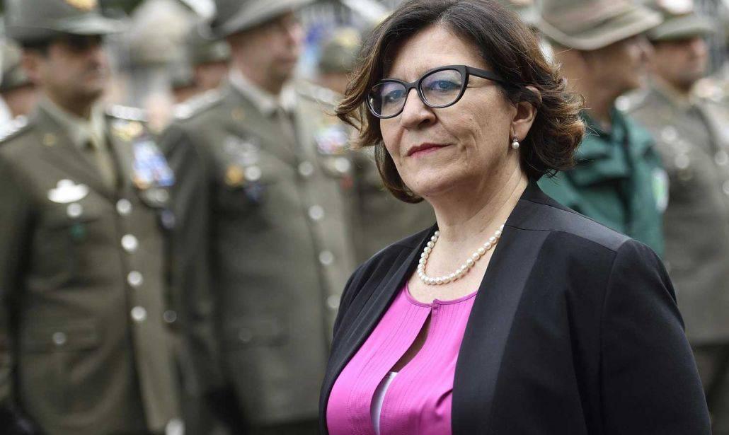 Trenta e Toninelli firmano con Salvini l'alt alla nave ong tedesca Eleonore