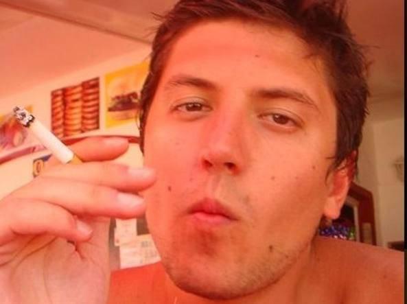Luca Scapin concessi arresti domiciliari gip ha rivalutato l'accusa dal reato di duplice omicidio volontario a omicidio stradale volontario morte di Matteo Ferrari e Luca Carissimi a causa dell'incidente mortale dopo lite in discoteca a Azzano San Paolo in provincia di Bergamo - Leggilo