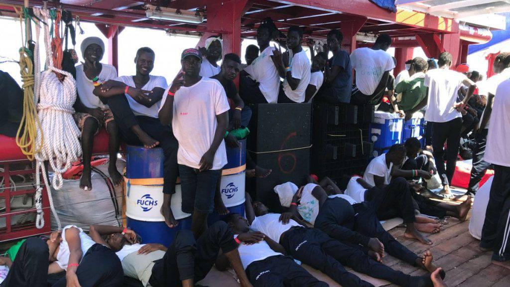 Open Arms 27 minori immigrati sbarcati a Lampedusa premier Giuseppe Conte lettera a Matteo Salvini 8 migranti già si sono dichiarati maggiorenni - Leggilo