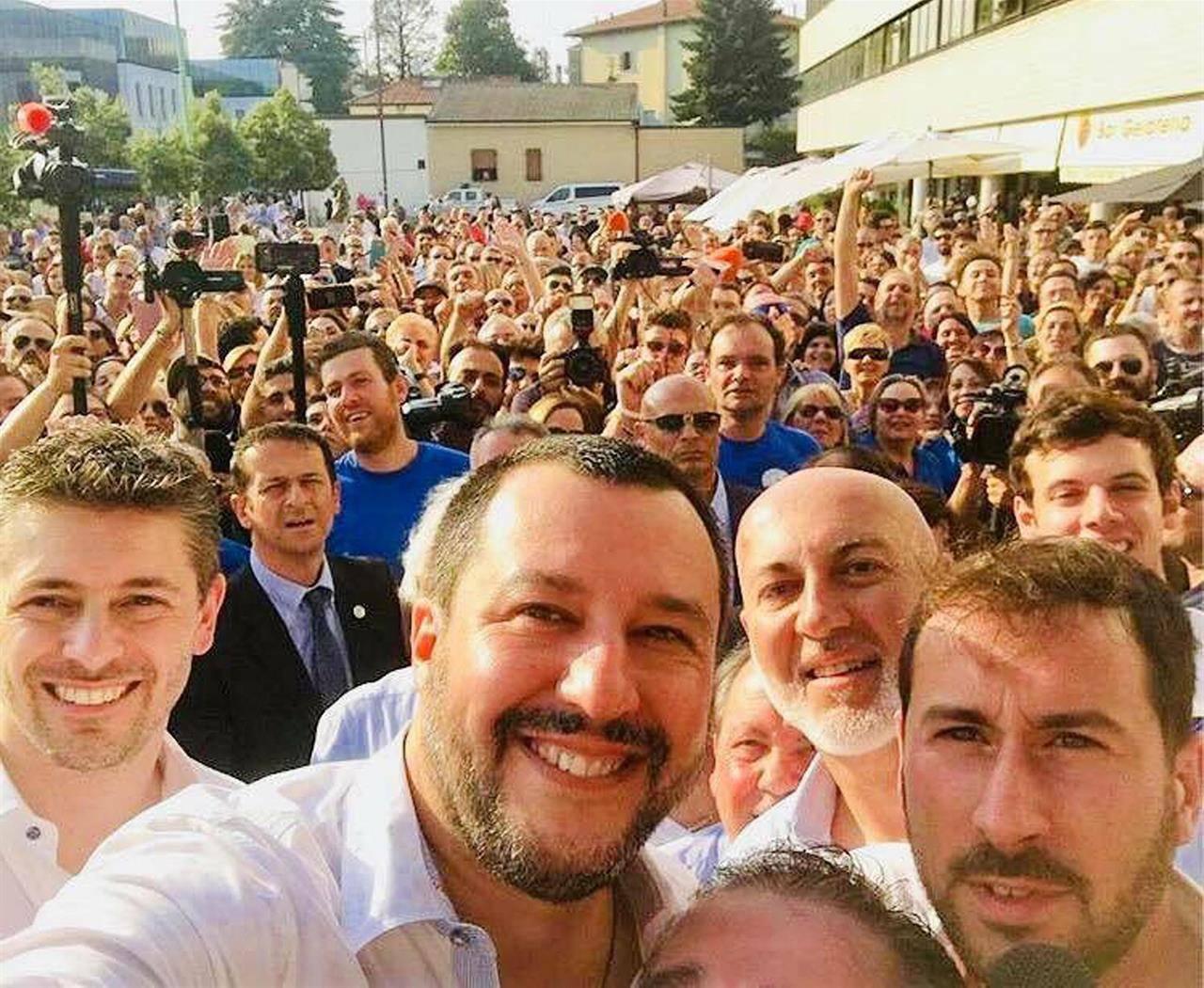 Salvini seguaci crisi governo - Leggilo