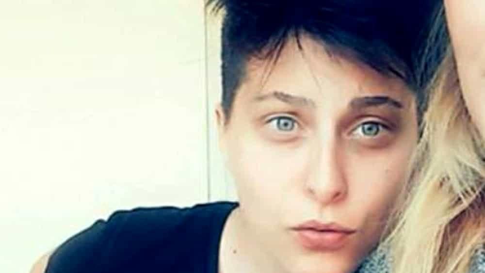 Elisa Pomarelli assassinio e veglia del corpo - Leggilo