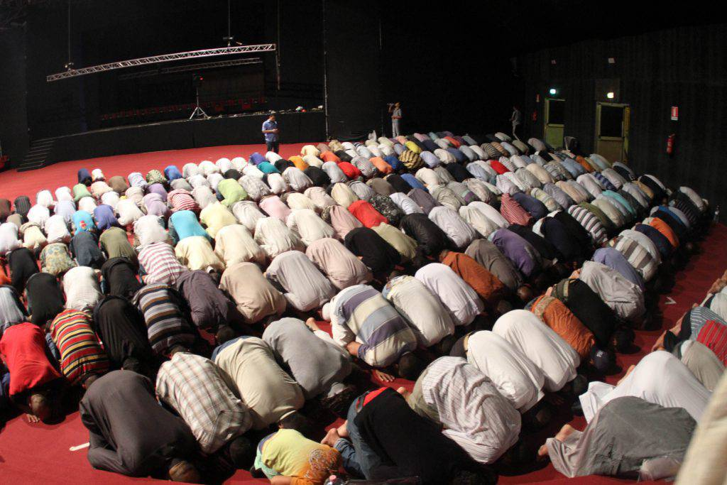 Musulmani in Italia nel 2100 potrebbero essere metà della popolazione il dato contenuto nel Primo rapporto sull'islamizzazione d'Europa - Leggilo