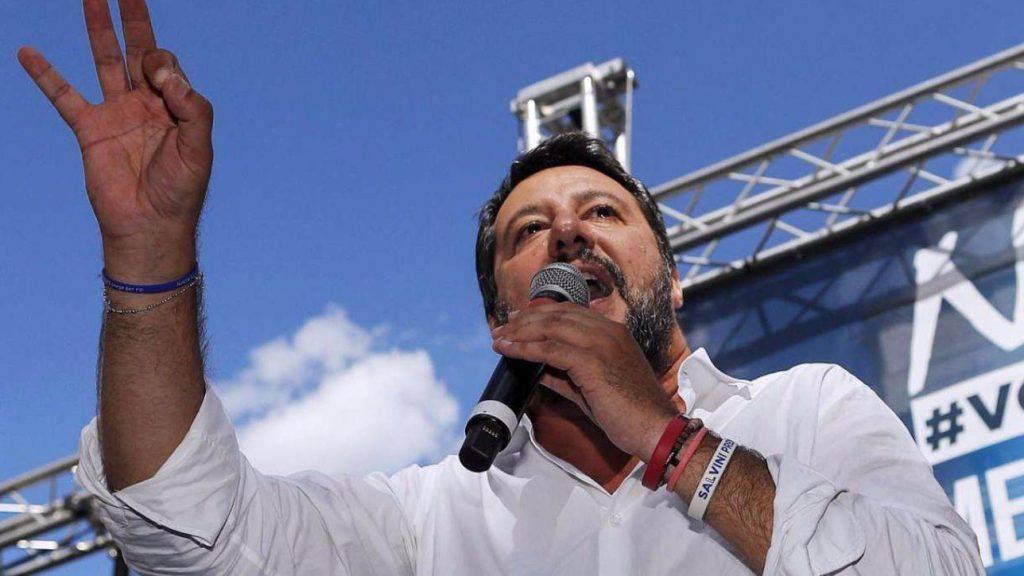 Matteo Salvini sbarco migranti Ocean Viking a Lampedusa resa all'Ue Italia campo profughi d'Europa - Leggilo