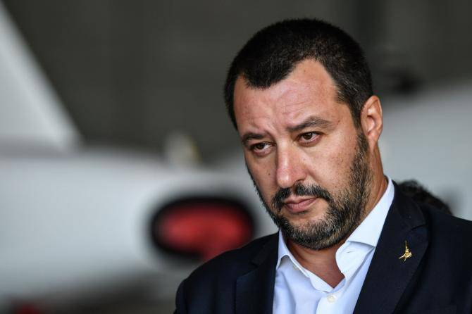 Salvini denunciato da Carola Rackete per diffamazione