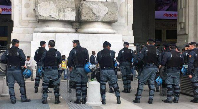 immigrato pugnala militare a Milano