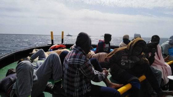 Migranti Mare Jonio sbarco