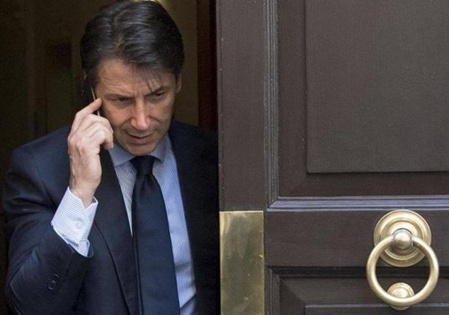 Giuseppe Conte non molla i Servizi Segreti - Leggilo