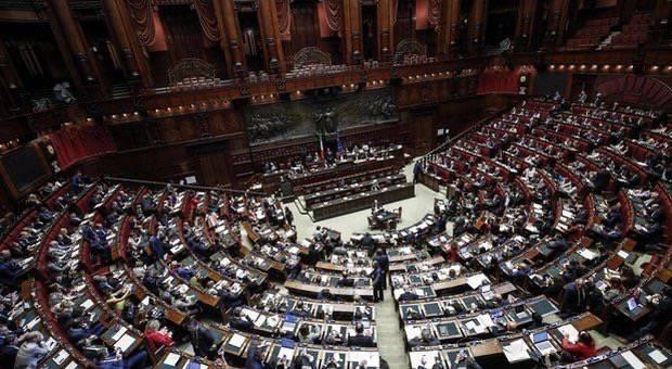 Taglio dei parlamentari è legge +Europa Emma Bonino protesta - Leggilo