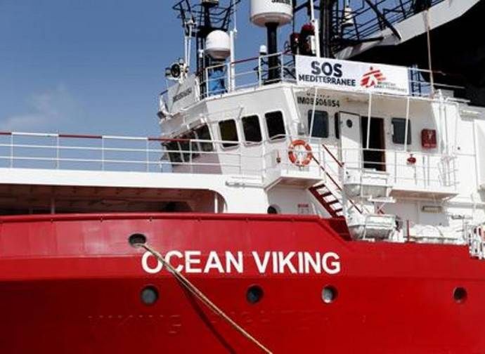 ocean viking migranti pozzallo