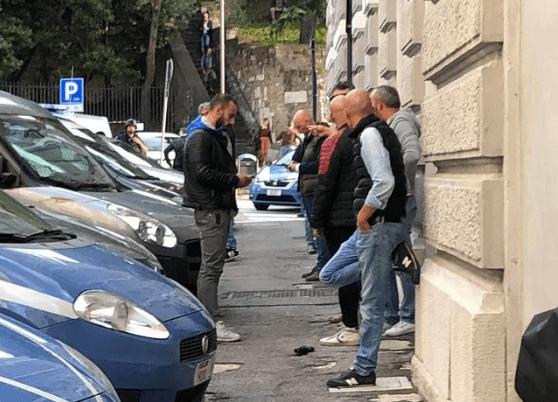 sparatoria a Trieste, morti due agenti - Leggilo