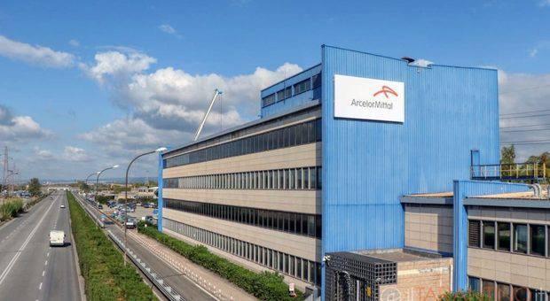 Carabinieri ispezionano gli stabilimenti ArcelorMittal - Leggilo.org