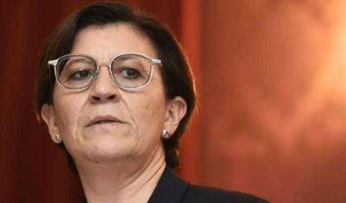 Elisabetta Trenta si difende dalle accuse: