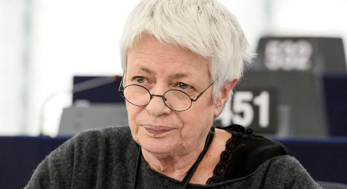 """Barbara Spinelli: """"Manifesto delle 'Sardine'? Autoritario e pericoloso"""" - Leggilo.org"""