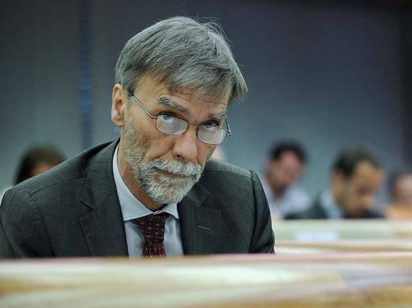 """Del Rio risponde a Di Maio sul caso Mes: """"Non è vero che decide il Movimento 5 Stelle"""" - Leggilo.org"""